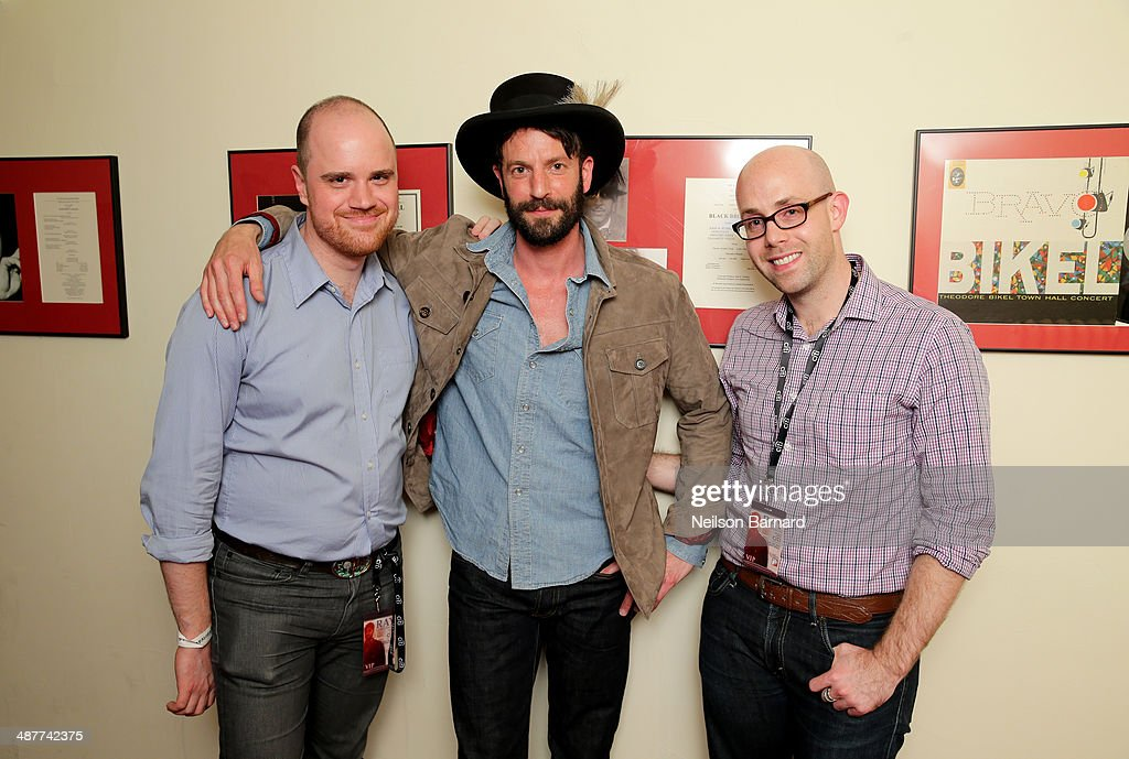 Senior Correspondent of Billboard Magazine Andrew Hampp (L) and musician Ray LaMontagne (center) attend Ray LaMontagne Performs Intimate Concert Exclusively For Citi Cardmembers At Town Hall on May 1, 2014 in New York City.