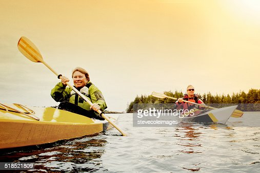 Senior Couple en kayak