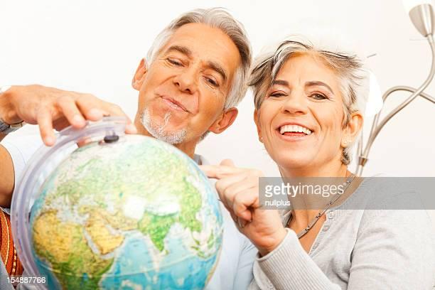 couple âgé d'un tour du monde