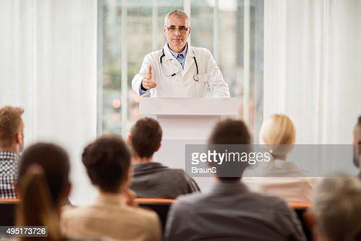 シニア担当医師ギブ、音声を教育イベントを開催いたします。