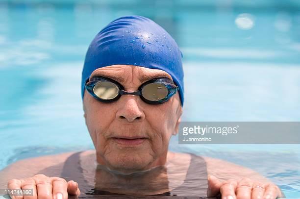Senior femme natation