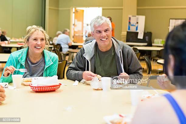 シニアご友人には、フィットネスセンター」での昼食