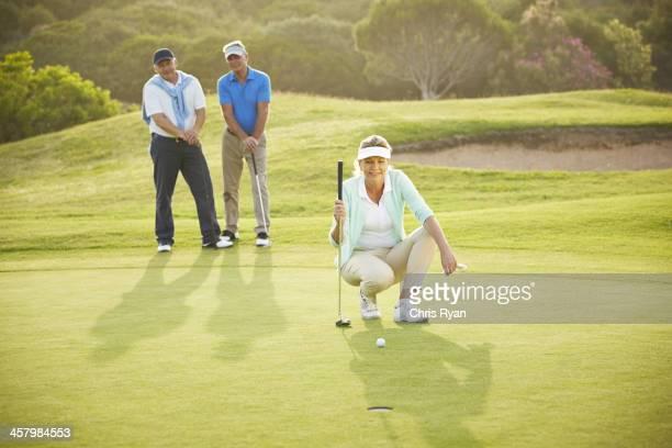 シニアご友人とご一緒に、ゴルフコース