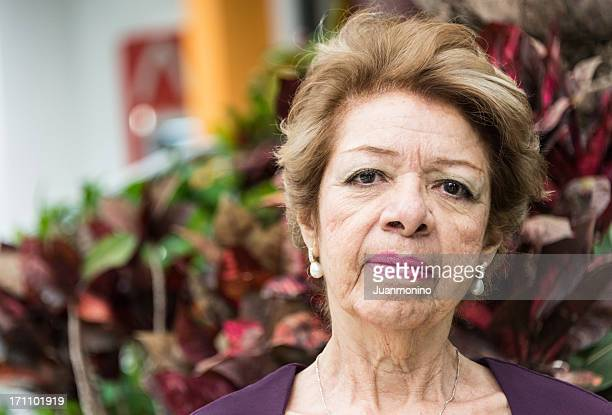 Senior donna ispanica