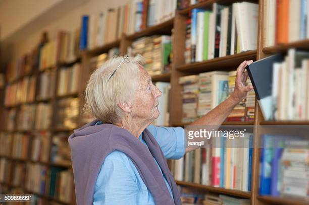 Senior in bookstore