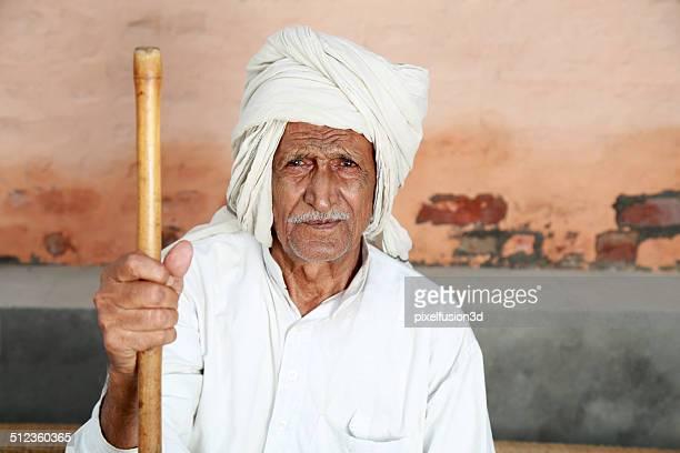 Ritratto di anziano uomo indiano