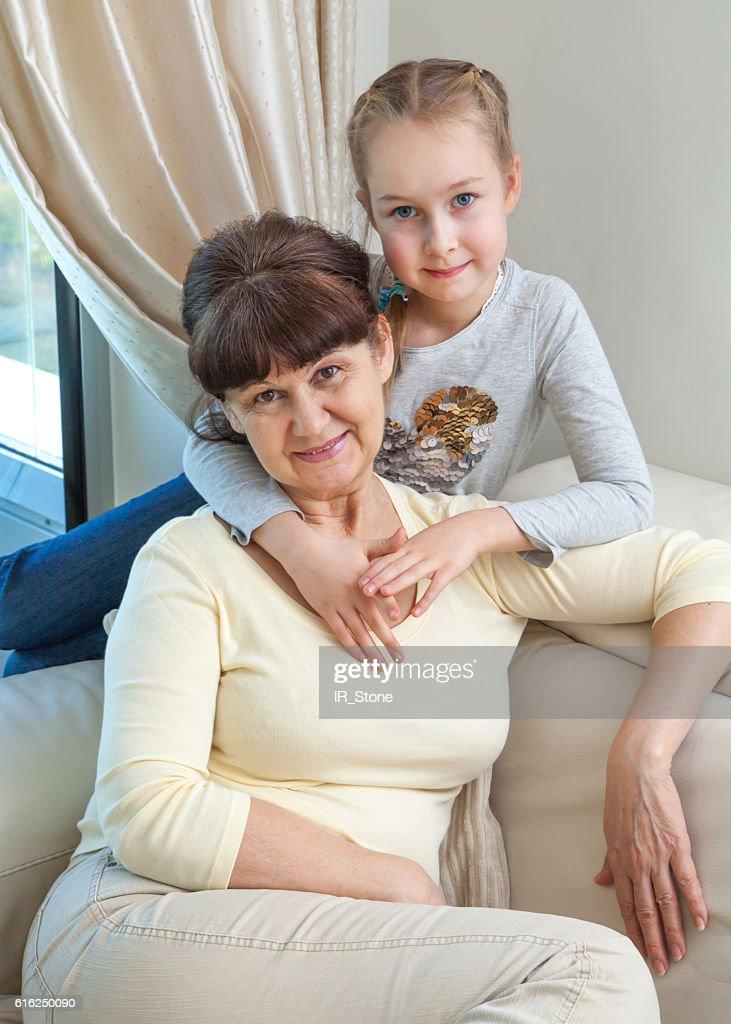 Senior lady with granddaughter portrait : Foto de stock