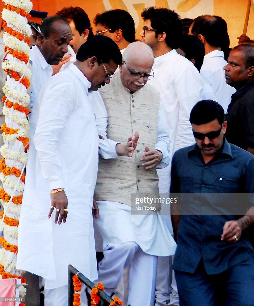 BJP senior leader LK Advani at the funeral of Shiv Sena Chief Balasaheb Thackeray in Mumbai on November 18, 2012.