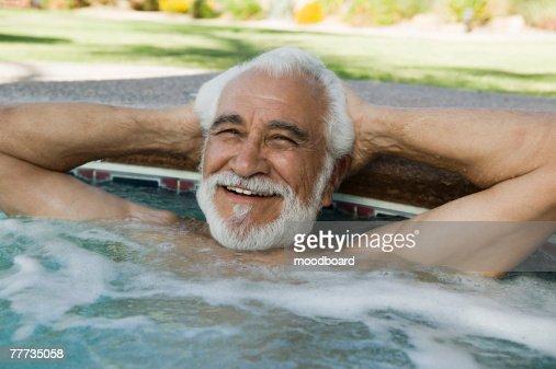 Bagno caldo foto e immagini stock getty images - Mature in bagno ...