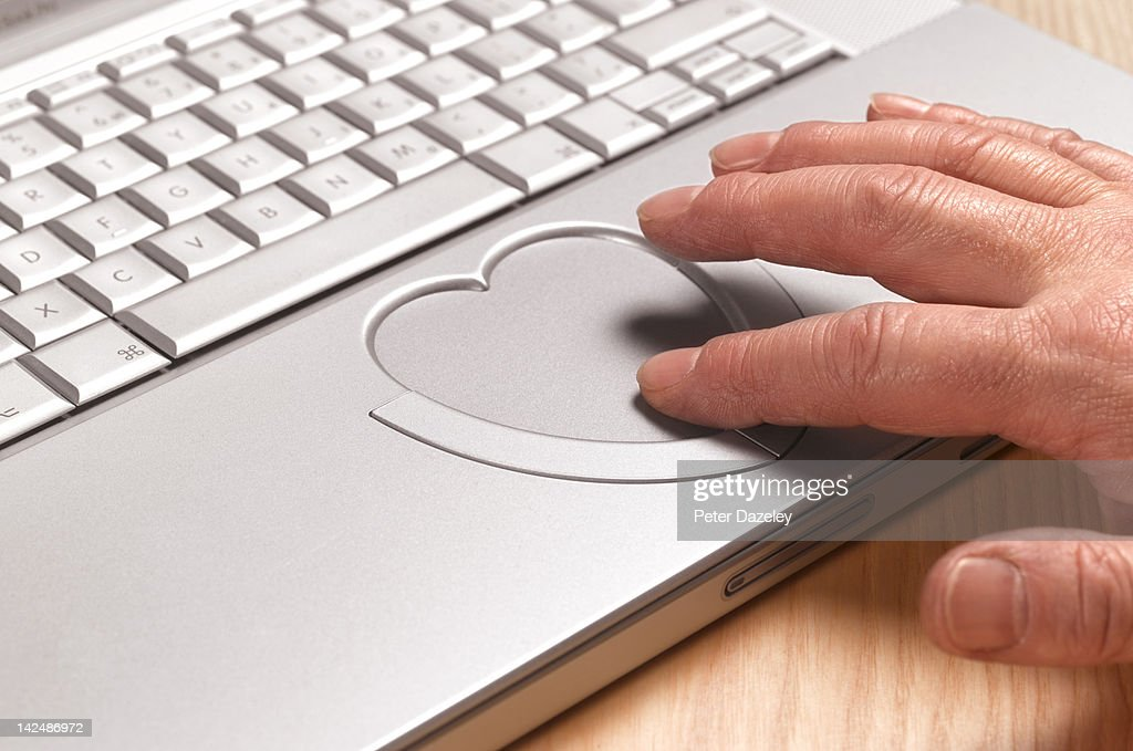 Senior man looking for love online : Stock Photo