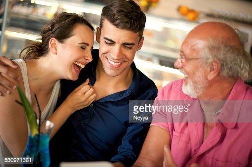 Alter kerl fickt junges mädchen porno