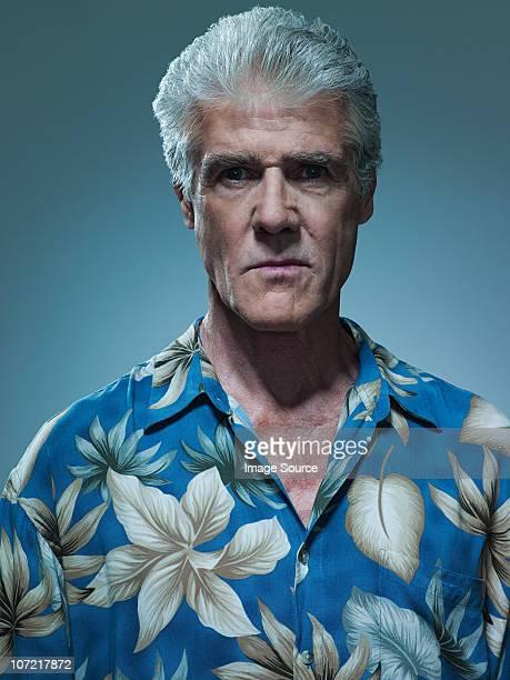 老人男性のポートレートを着ているシャツ、ハワイ