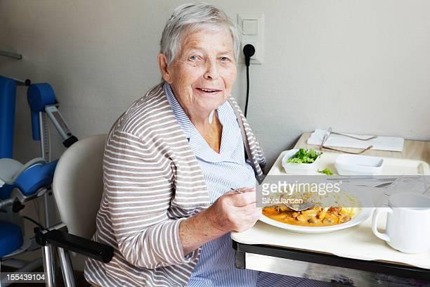 senior patient hospital eating