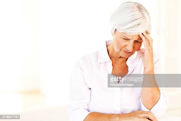 年配の女性の頭痛でお悩みの方に