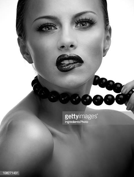 Sensual blanco y negro estudio Retrato de joven mujer bella