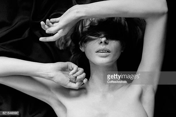 Sinnliche Schwarz-Weiß-Bild von einer Frau