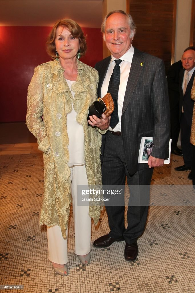 <a gi-track='captionPersonalityLinkClicked' href=/galleries/search?phrase=Senta+Berger&family=editorial&specificpeople=224990 ng-click='$event.stopPropagation()'>Senta Berger</a> and her husband <a gi-track='captionPersonalityLinkClicked' href=/galleries/search?phrase=Michael+Verhoeven&family=editorial&specificpeople=636143 ng-click='$event.stopPropagation()'>Michael Verhoeven</a> attend the 'Guillaume Tell' Opera Premiere at the Opera Festival Opening In Munich on June 28, 2014 in Munich, Germany.