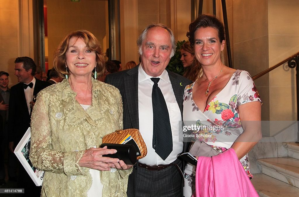 <a gi-track='captionPersonalityLinkClicked' href=/galleries/search?phrase=Senta+Berger&family=editorial&specificpeople=224990 ng-click='$event.stopPropagation()'>Senta Berger</a> and her husband <a gi-track='captionPersonalityLinkClicked' href=/galleries/search?phrase=Michael+Verhoeven&family=editorial&specificpeople=636143 ng-click='$event.stopPropagation()'>Michael Verhoeven</a>, Katarina Witt attend the 'Guillaume Tell' Opera Premiere at the Opera Festival Opening In Munich on June 28, 2014 in Munich, Germany.