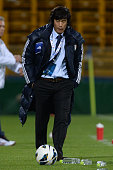 Seo Jung Woncoach of Suwon Bluewings looks on during the AFC Champions League Group H match between Kashiwa Reysol and Suwon Bluewings at Hitachi...