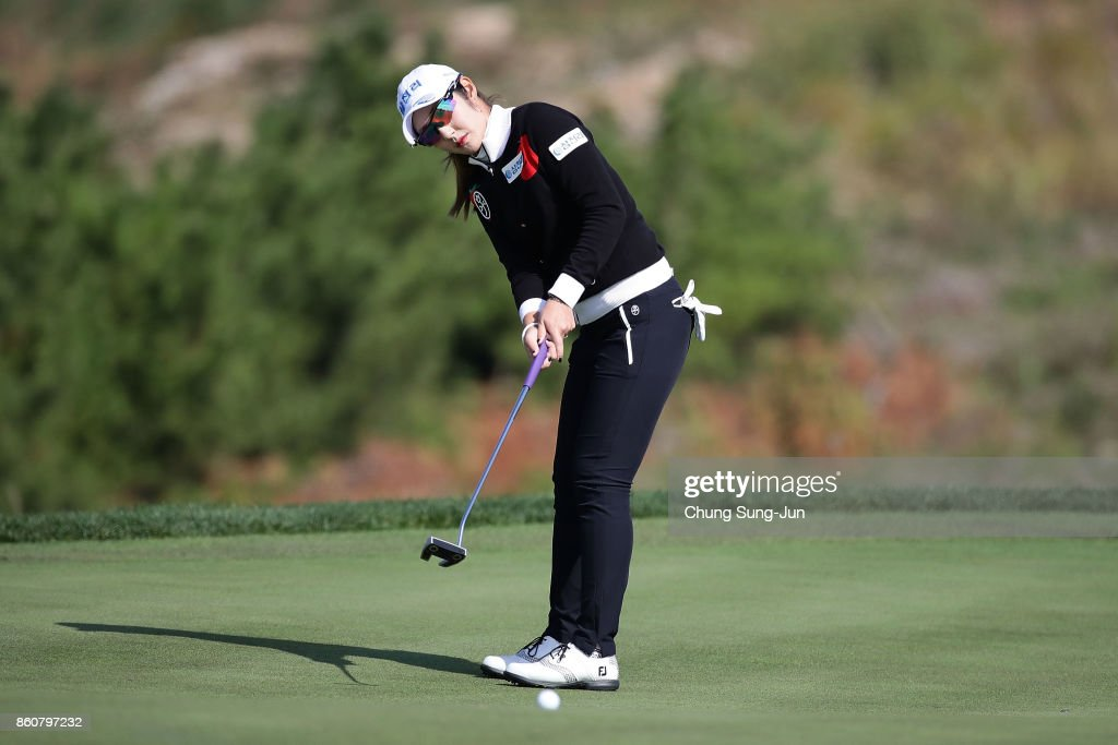 Seon-Woo Bae of South Korea plays a putt on the 6th green during the second round of the LPGA KEB Hana Bank Championship at the Sky 72 Golf Club Ocean Course on October 13, 2017 in Incheon, South Korea.