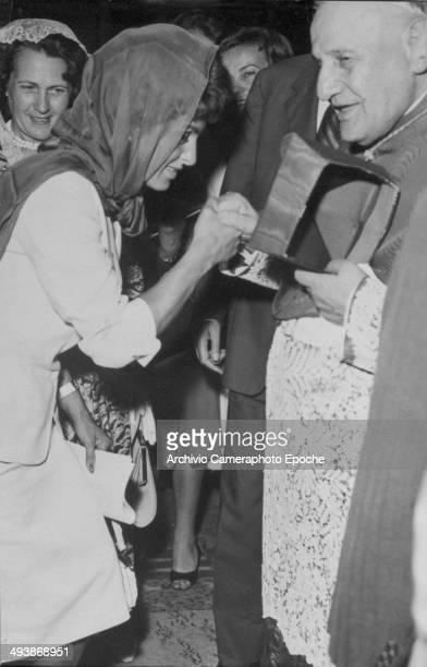 Sep 1 1958 Cardinal Roncalli recieves Silvana Pampanini's homages