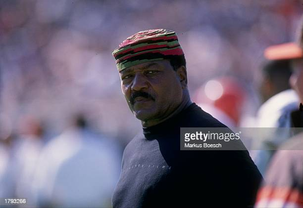 Hall of Fame running back Jim Brown looks on during a game between the Cleveland Browns and the Los Angeles Raiders at the Los Angeles Memorial...