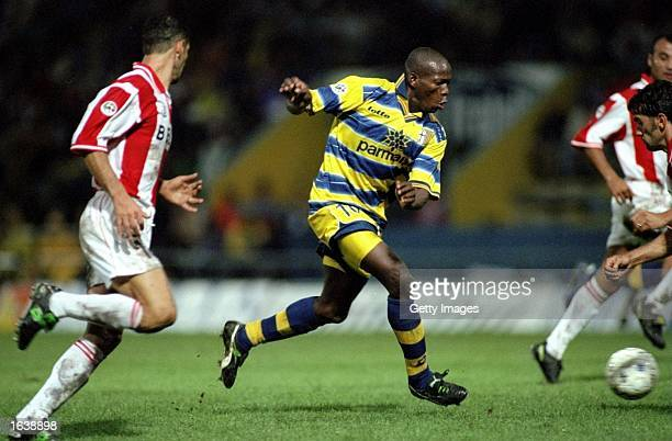 Faustino Asprilla of Parma in action during the Serie A match against Vicenza played at the Stadio Tardini in Parma Italy Mandatory Credit Allsport...