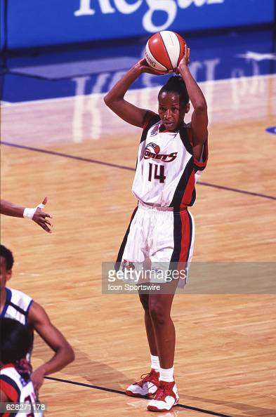 Cynthia Cooper of the Houston Comets in action during the Comets 5947 victory over the New York Liberty in the WNBA Championship Game at the Compaq...