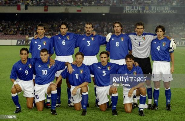 Italy prepare to face Denmark in the European Championship qualifier at the San Paolo Stadium in Naples Italy Mandatory Credit Alex Livesey /Allsport