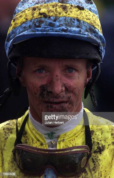 Pat Eddery returns to the weighingin room at Lingfield Park after riding Gold Halo in The Christmas Raceday Package Maiden Fillies Stakes run over 1...