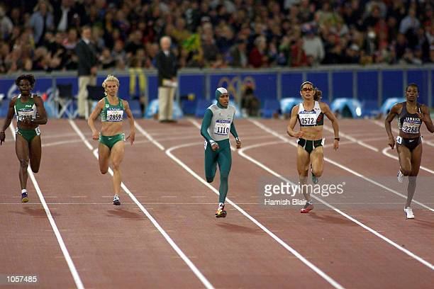 Cathy Freeman of Australia on her way to winning the Women's 400m Final at the Sydney 2000 Olympic Games Sydney Australia DIGITAL IMAGE Mandatory...