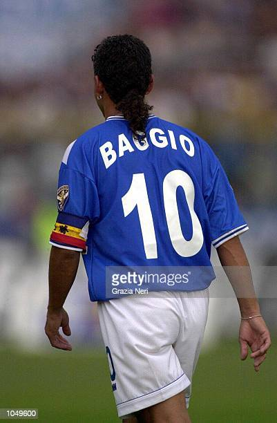 Roberto Baggio of Brescia wearing the number 10 shirt during his debut in the Coppa Italia first leg match between Brescia and Juventus played in...
