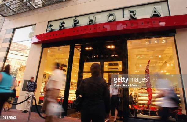 Sephora celebrates its new home on Powell Street in downtown San Francisco June 252003 by hosting 'Pretty on Powell' a preopening charity shopping...