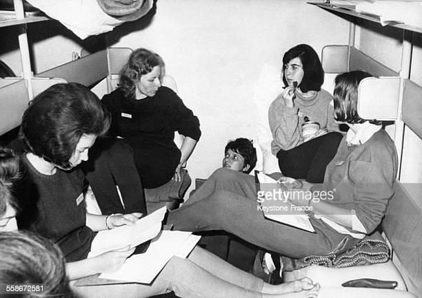 Sept jeunes Allemandes ont fait l'expérience de passer six jours dans un abri antiatomique afin de se mettre en situation en cas de guerre nucléaire...