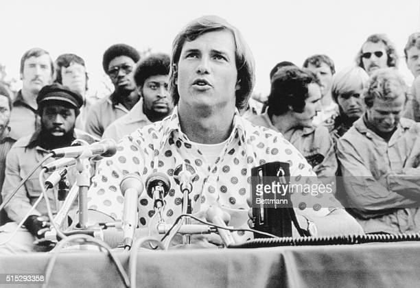 September 14 1975 Foxboro Massachusetts New England Patriot's player represetative Randy Vataha Patriots' players in the background said the striking...