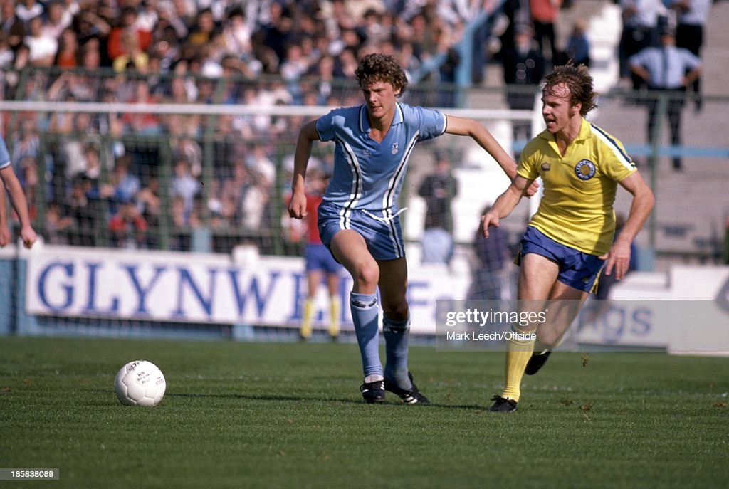 23 September 1978 English Football League Division One Coventry City v Leeds United City defender Gary Gillespie beats Arthur Graham to the ball