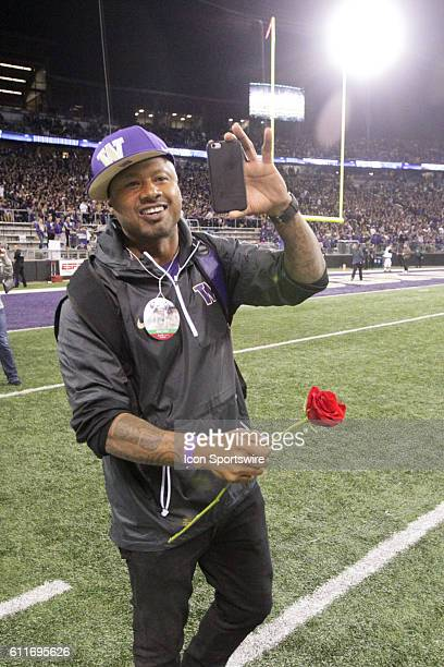 Mario Bailey from the 1991 National Championship team joined teammates to be honored during half time Washington defeated Stanford 446 at Husky...