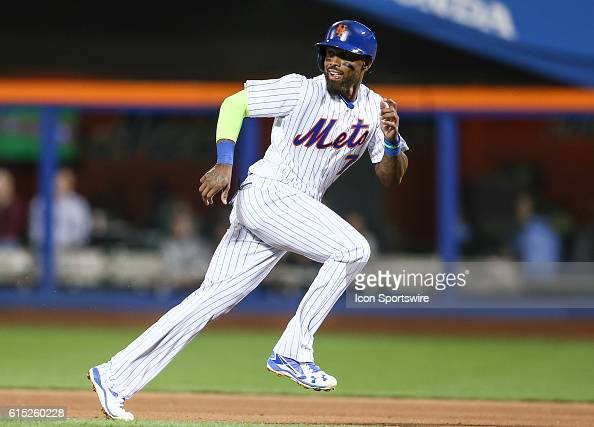 New York Mets Infield Jose Reyes [3276] gets caught in a rundown before being doubled off on a ground ball hit by New York Mets Shortstop Asdrubal...