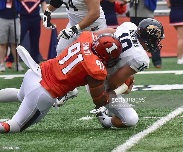Illinois defensive lineman Dawuane Smoot sacks Kent State cornerback Quan Robinson during a nonconference college football game between the Kent...