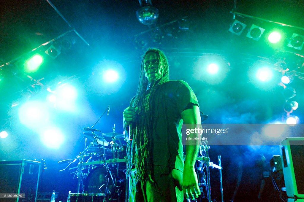 Sepultura - Band, Death-Metal, Brasilia - singer Derrick Leon Green performing in Hamburg, Germany, Markthalle -