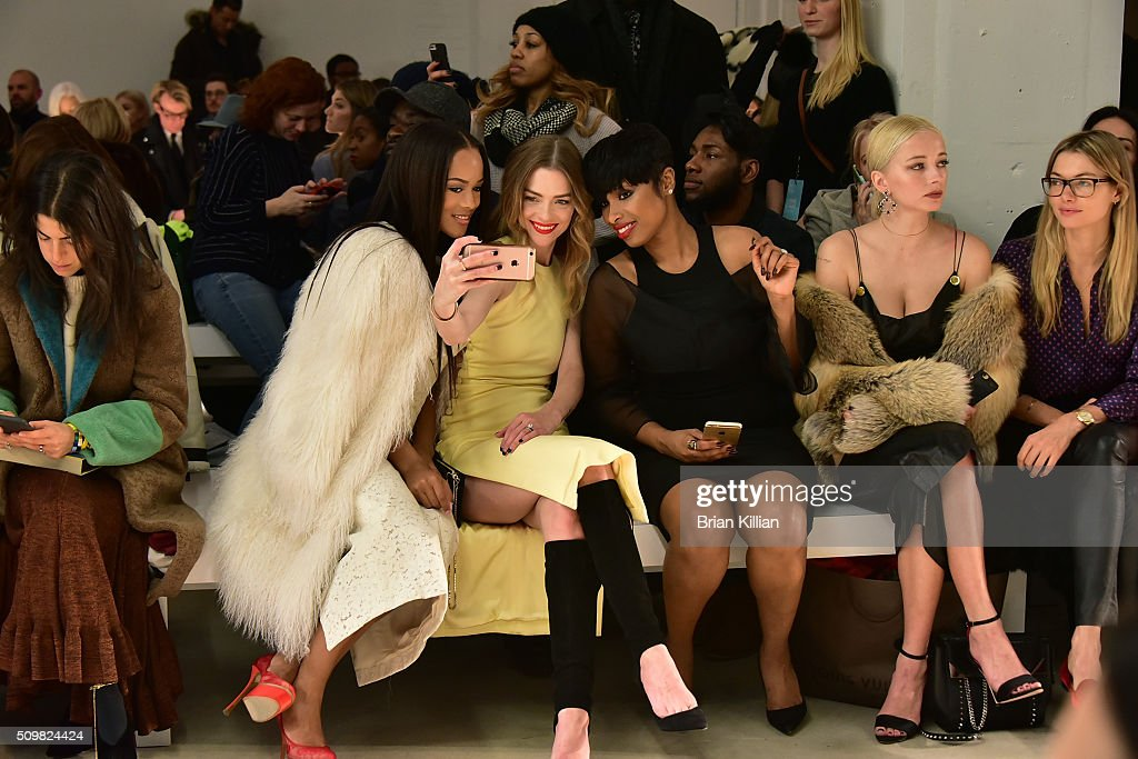 Serayah McNeill Jamie King Jennifer Hudson Caroline Vreeland and Jessica Hart attend the Cushnie et Ochs show during Fall 2016 New York Fashion Week...