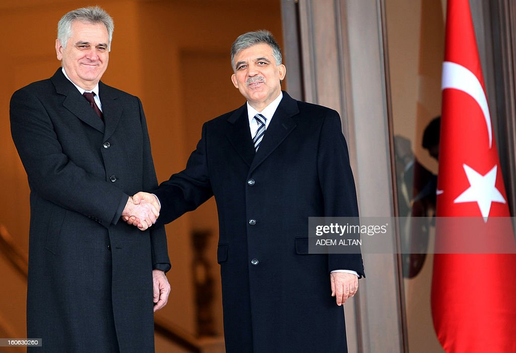 Serbian President Tomislav Nikolic (L) shakes hands with his Turkish counterpart Abdullah Gul during a welcoming ceremony at Cankaya Palace in Ankara on February 4, 2013.