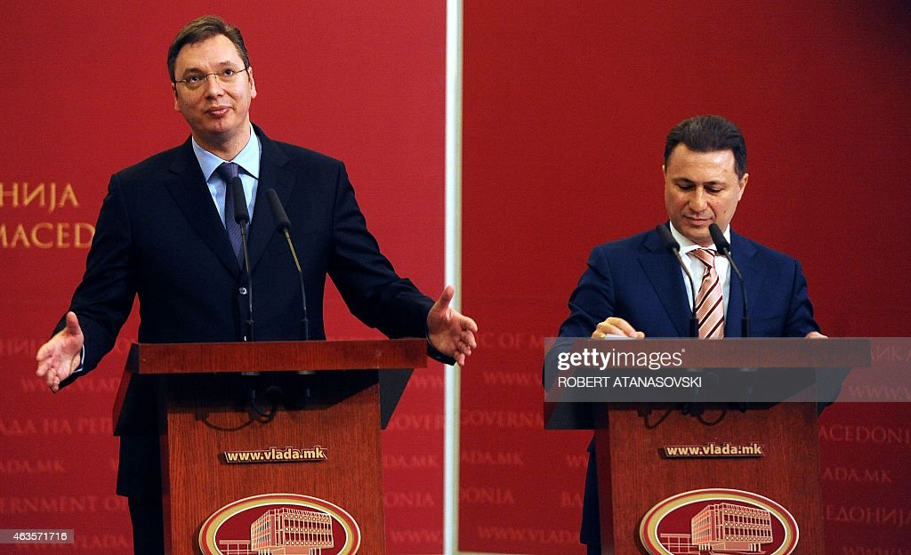 Serbian Prime Minister Aleksandar Vucic (L) and his Macedonian counterpart Nikola Gruevski (R) deliver a press conference in the Government building in Skopje on February 16, 2015. Vucic arrived in a official visit to Macedonia where he is to take part in a meeting gathering both governments. AFP PHOTO / ROBERT