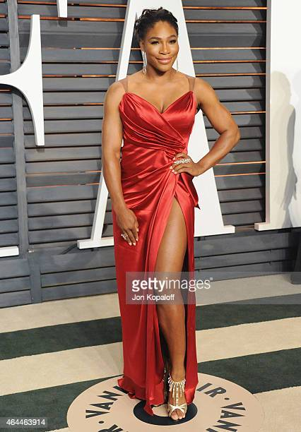 Serena Williams arrives at the 2015 Vanity Fair Oscar Party Hosted By Graydon Carter at Wallis Annenberg Center for the Performing Arts on February...