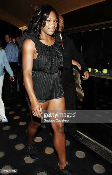 ¿Cuánto mide Serena Williams? - Altura - Real height Serena-williams-attend-the-us-open-wilson-party-at-mansion-on-august-picture-id82532187?s=612x612