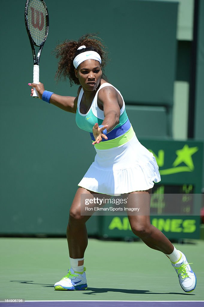 Serena Williams of the United States plays a match against Li Na of China during Day 9 of the Sony Open at Crandon Park Tennis Center on March 26, 2013 in Key Biscayne, Florida.