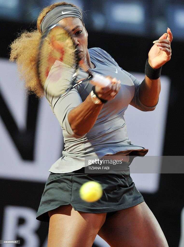 USA' Serena Williams returns the ball to Uzbek-American Varvara Lepchenko during the Rome Masters Tennis match on May 15, 2014, at the Foro Italico in Rome.