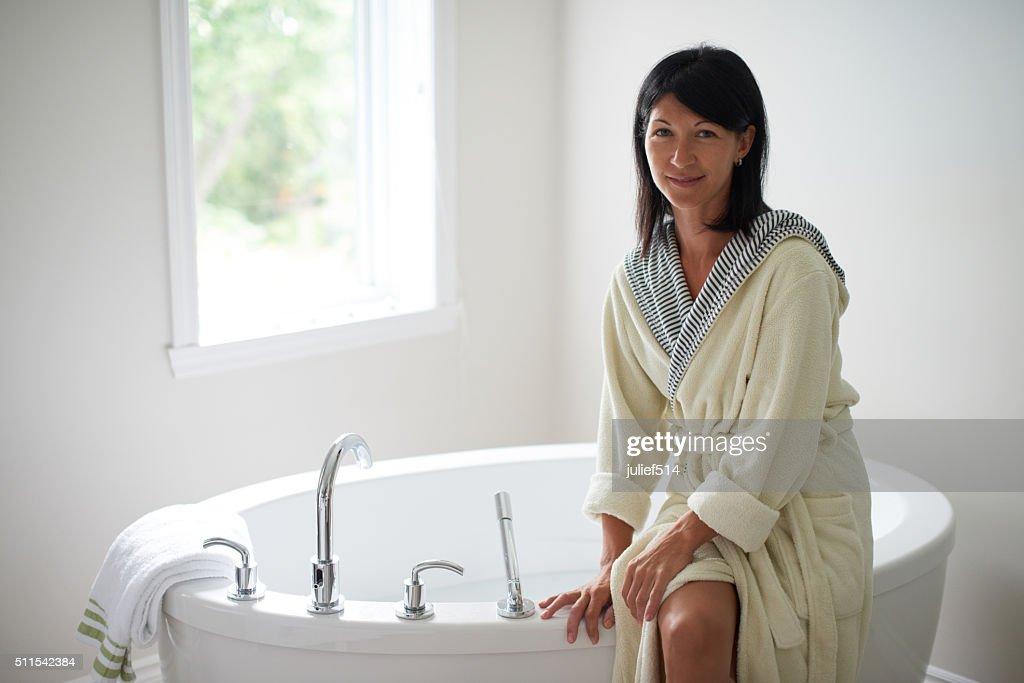 Reife Dame Bathtube