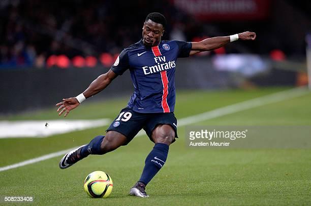 Serge Aurier of Paris SaintGermain kicks the ball during the Ligue 1 game between Paris SaintGermain and FC Lorient at Parc des Princes on February 3...