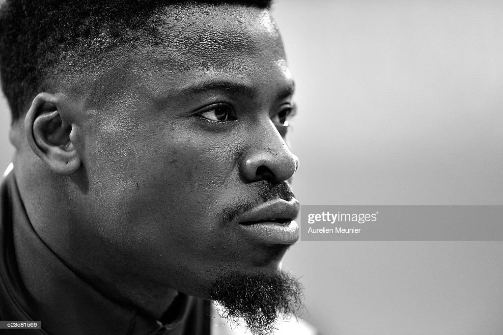 <a gi-track='captionPersonalityLinkClicked' href=/galleries/search?phrase=Serge+Aurier&family=editorial&specificpeople=6716046 ng-click='$event.stopPropagation()'>Serge Aurier</a> of Paris Saint-Germain reacts during warmup before the French Cup Final game between Paris Saint-Germain and Llosc Lille at Stade de France on April 23, 2016 in Paris, France.